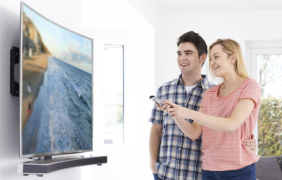 Curved Television and Curved Soundbar 123rf - Smaller